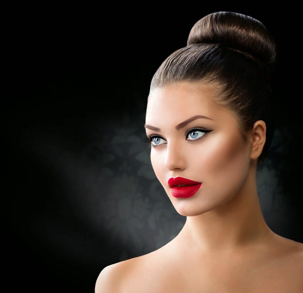 5 Easy Bun Hairstyles for Long and Medium Hair - The Mummy Chronicles
